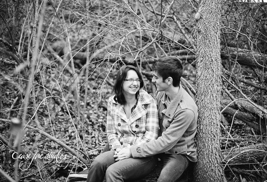 missouri engagement couple marriage cute outdoors cold woods